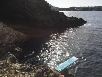Hotellets privata badställe i Medelhavet 24 grader :)